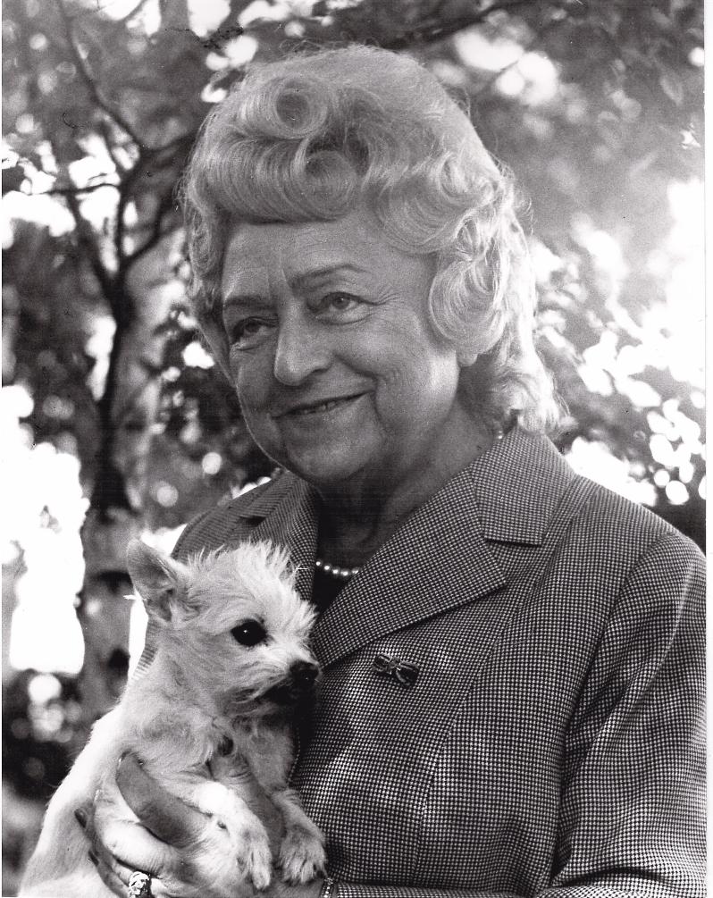 Erna Graff und ihr Hund